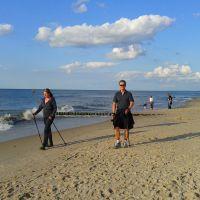 Z nami odpoczniesz aktywnie-nordic walking na plaży