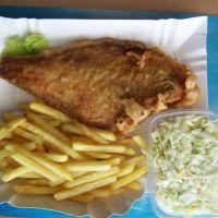 Obowiązkowa-ryba z frytkami i surówką!